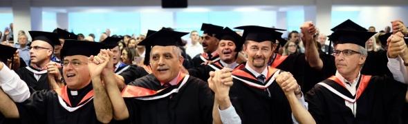 Israel College of the Bible beendet erfolgreich ersten Masterstudiengang für arabische und messianisch-jüdische Geistliche